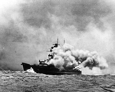 """Sink the Bismarck Kenneth More 10"""" x 8"""" Photograph no 11"""