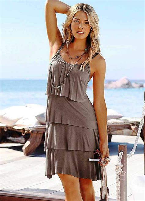 25 Coolest Beach Wear Outfits For Women – The WoW Style