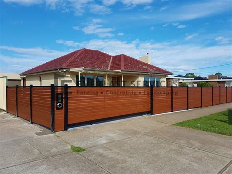 How to Clean and Maintain Your Aluminium Slat Fence