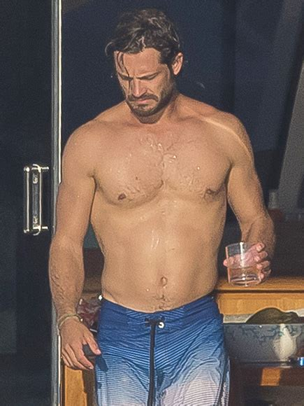 Prince Carl Philip Shirtless in the French Riviera: Photos