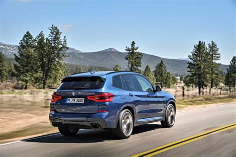 The new BMW X3 xDrive M40i (Exterior color: Phytonic Blue
