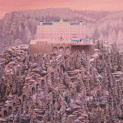 People Are Reviewing 'The Grand Budapest Hotel' on