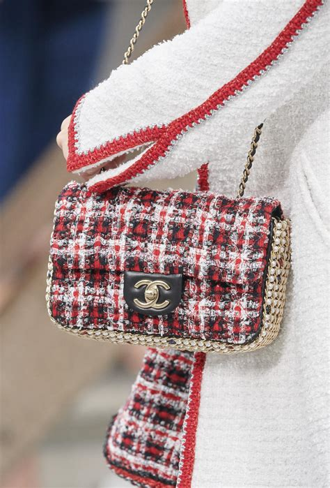 CHANEL SPRING SUMMER 2020 WOMEN'S COLLECTION DETAILS | The