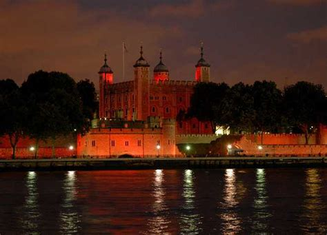 Tower of London tour - Top Attractions | Evan Evans Tours