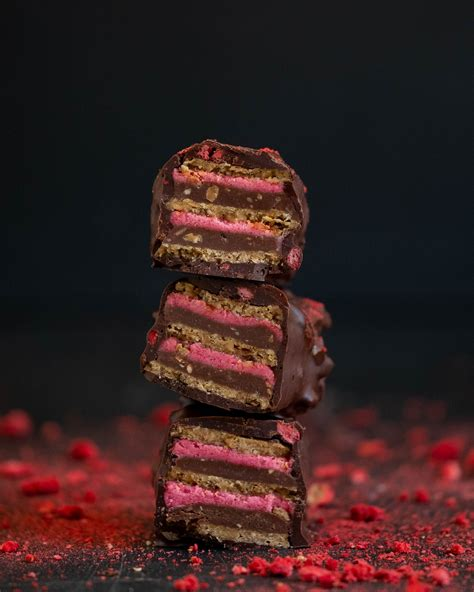Peanut Strawberry KitKat (With images) | Raw chocolate