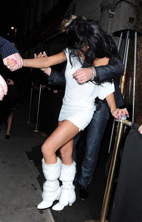 Katie Price, Can She Be More Drunk? (9 pics) - Izismile