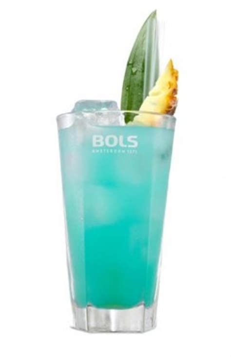 Summer Cocktails Go 'Under the Sea' with Bols & Blue Curacao
